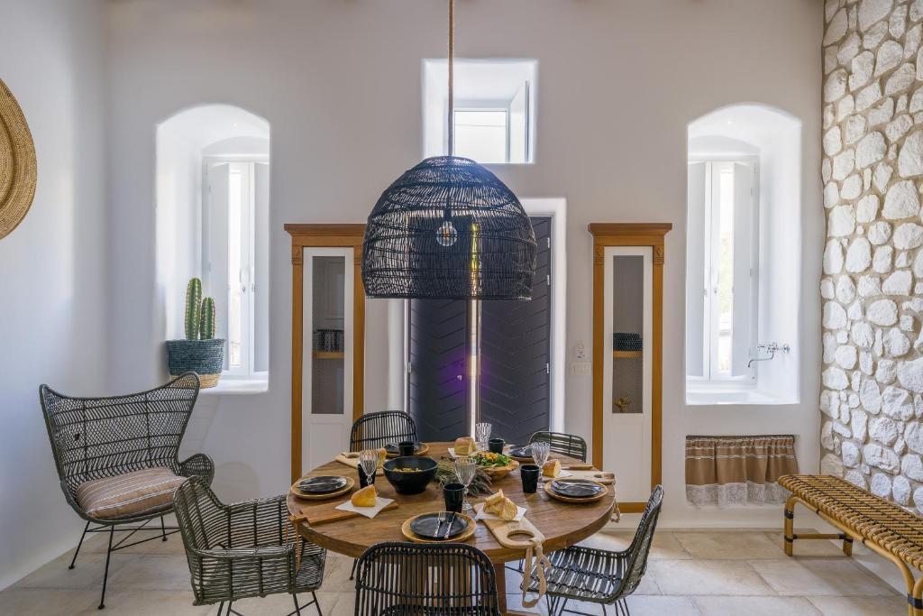 deluxe villa with jacuzzi (10) euphoria chora naxos