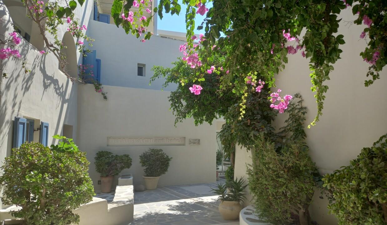Iria Beach Art Hotel (1)