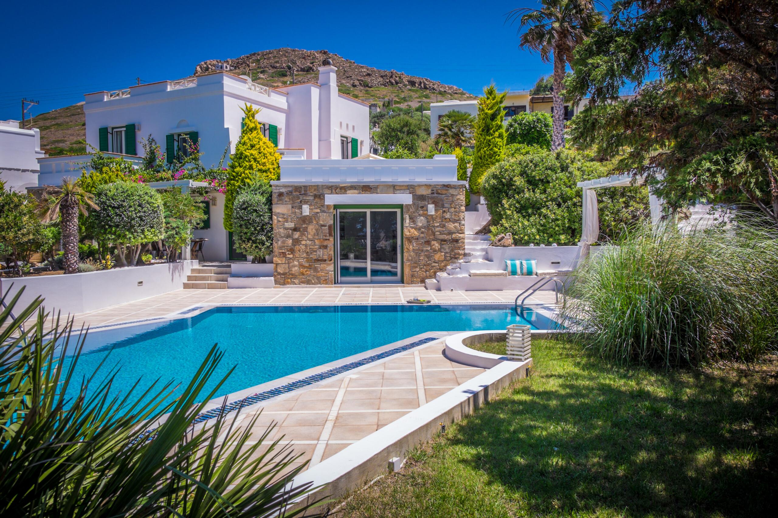 Montana Villa Naxos – 5 Bedrooms Villa with Private Pool