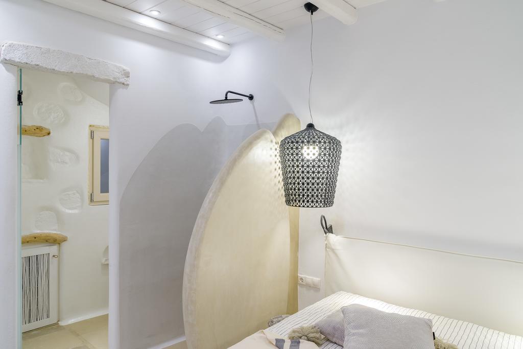 euphoria downtown naxos deluxe suite spa bath (1)
