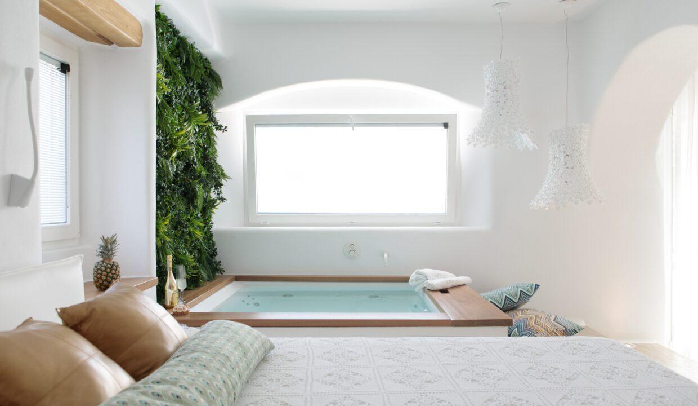 euphoria downtown naxos master suite spa bath (3)