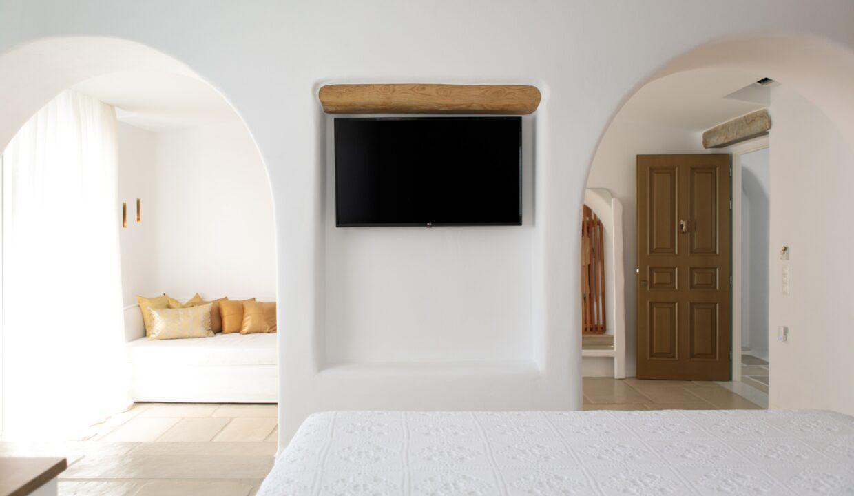 euphoria downtown naxos master suite spa bath (4)