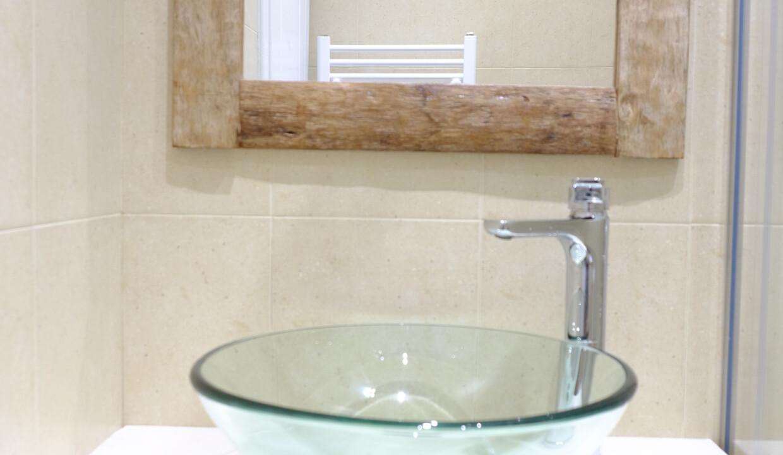 valea villa bathrooms (1)