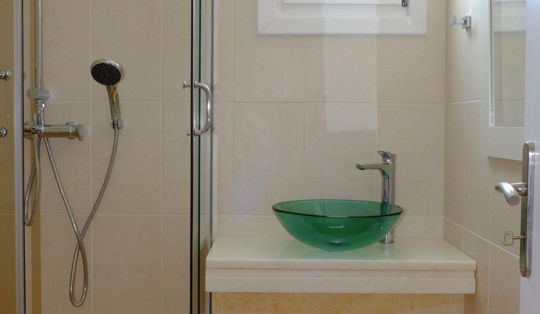 valea villa bathrooms (3)
