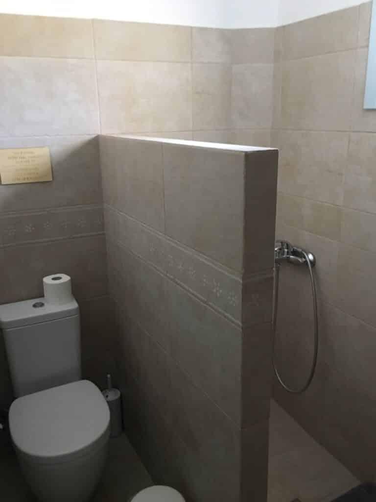 B3 bathroom