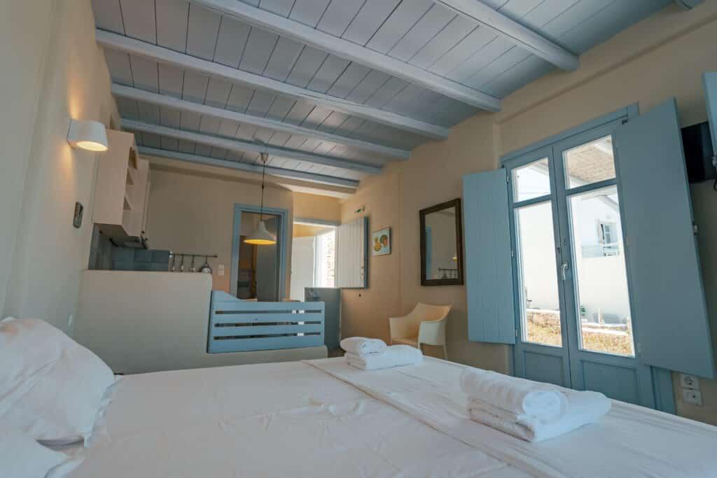 Ground floor studio with double bed 1
