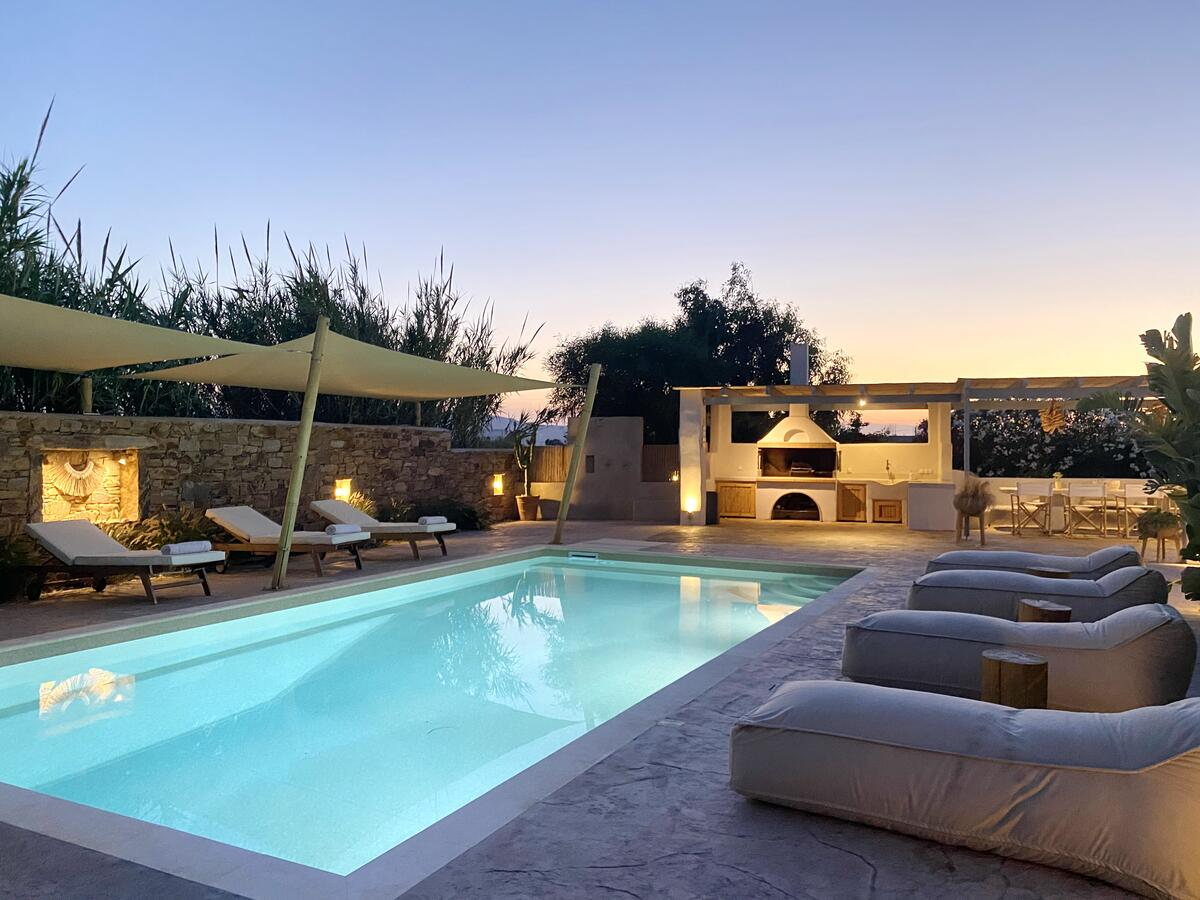 Seaside Naxos Holidays Villas with Private Pool