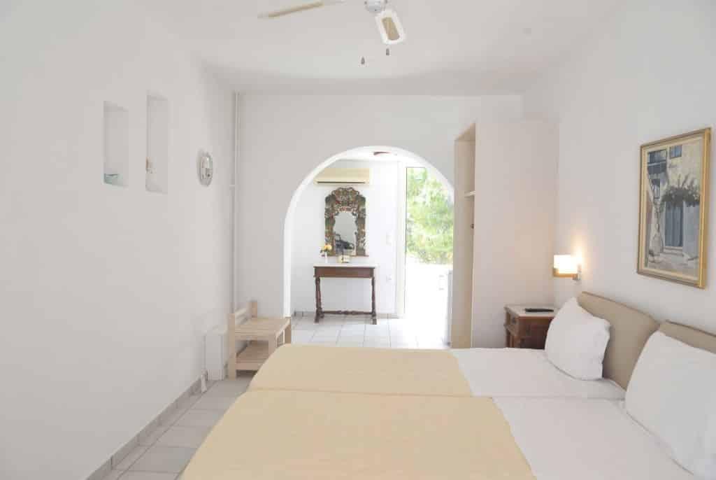 standard-room-medusa-resort-bedroom1-1024x686