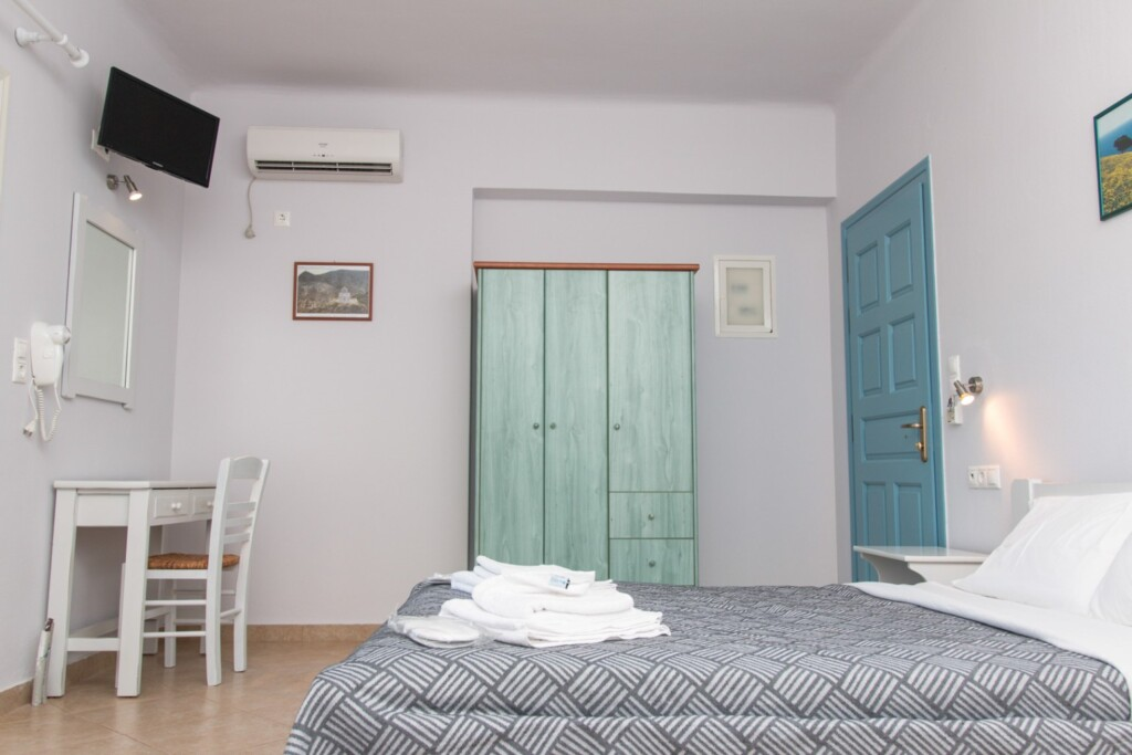 apartment with sea view (1)