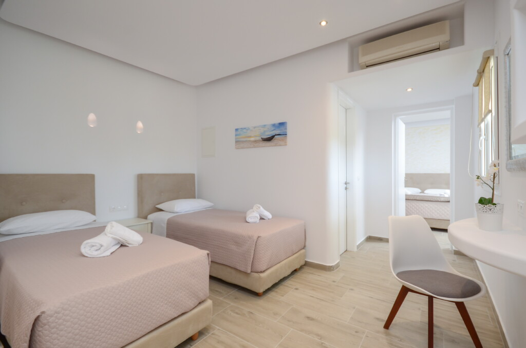 106 family suite second floor (3)
