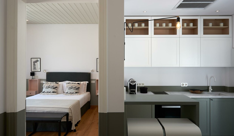 athena suites kitchen (2)