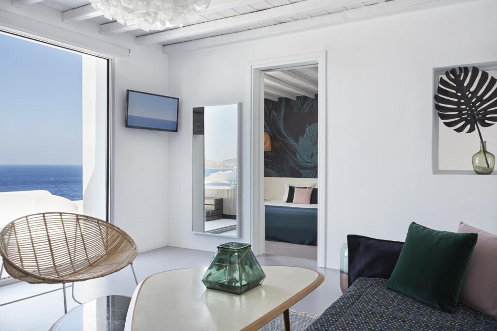 Deluxe jacuzzi suite Kouros Hotel (11)