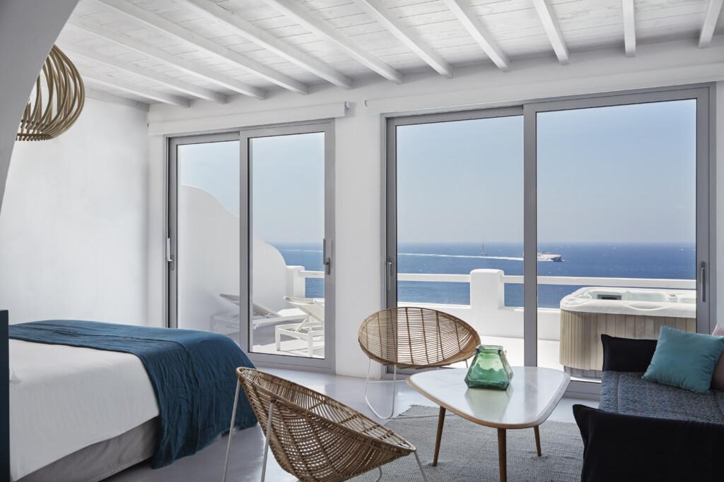 Deluxe jacuzzi suite Kouros Hotel (13)
