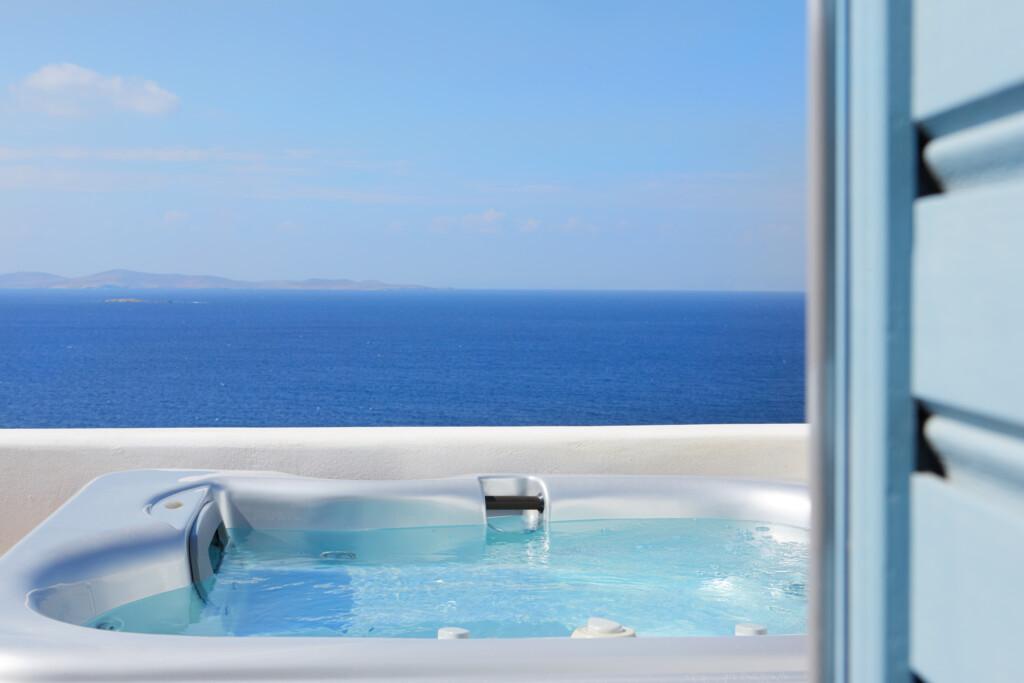 Deluxe jacuzzi suite Kouros hotel (14)