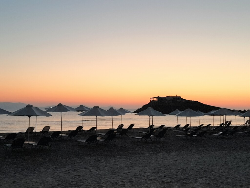 Saint George - the beach of Chora Naxos
