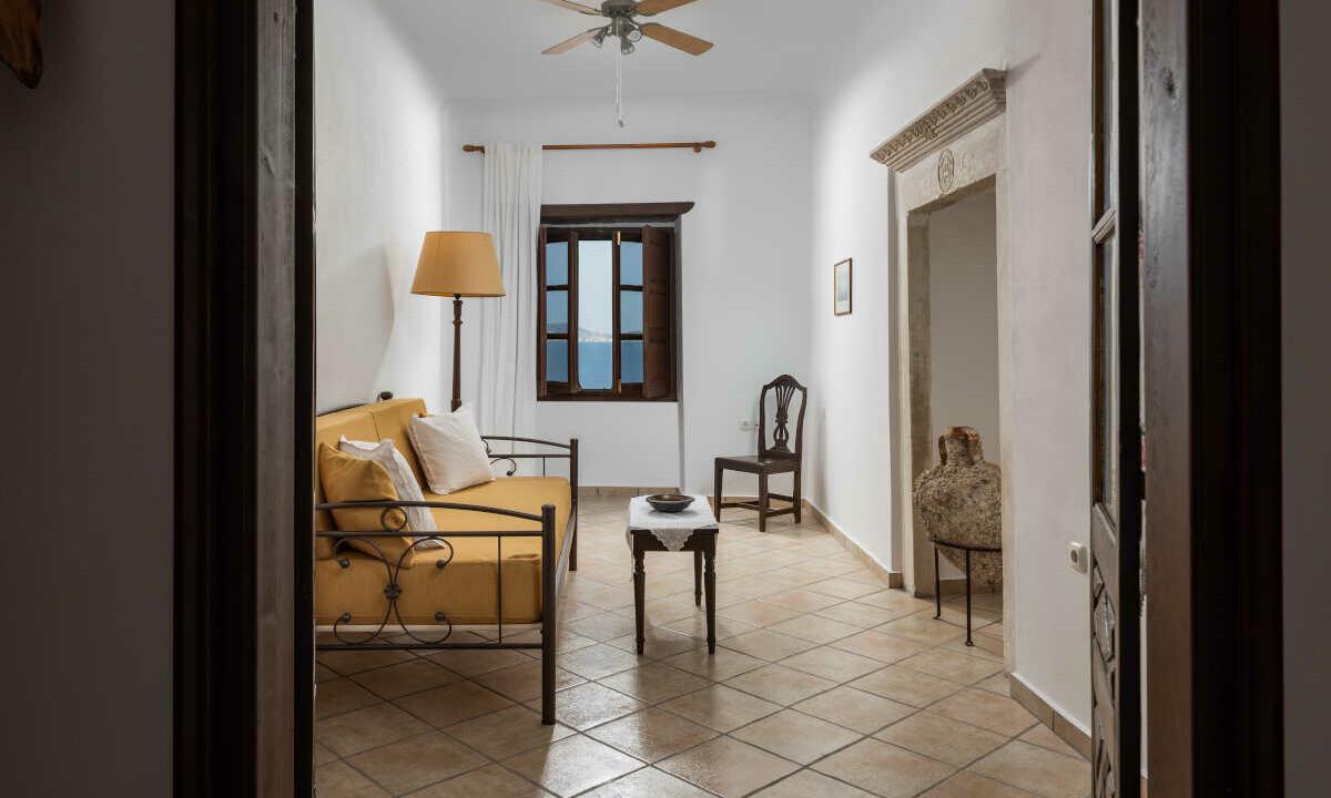 Angela-de-Merici-Sea-View-Apartment-10