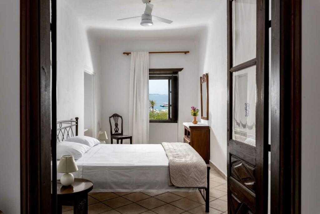 Angela-de-Merici-Sea-View-Apartment-11