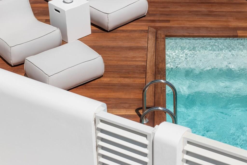 comfort-room-private-pool-2