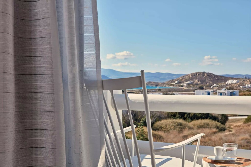 sea view suite with air jet tub (10)