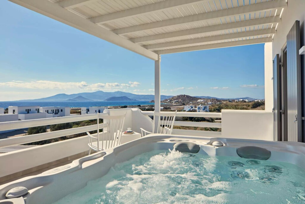 sea view suite with air jet tub (13)