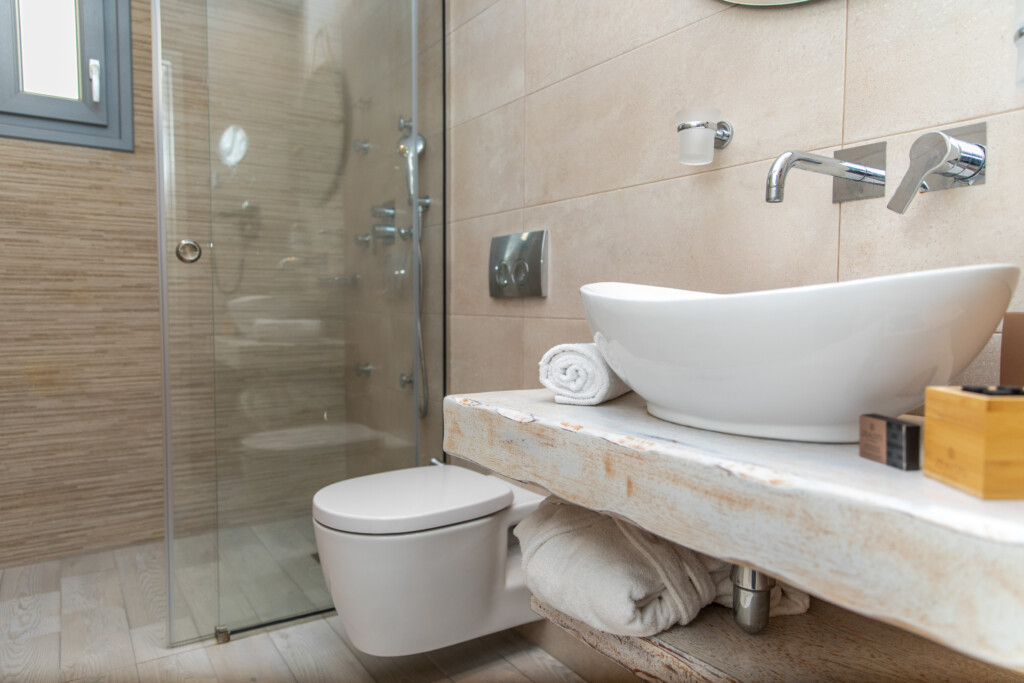 sea view suite with jet tub (2)